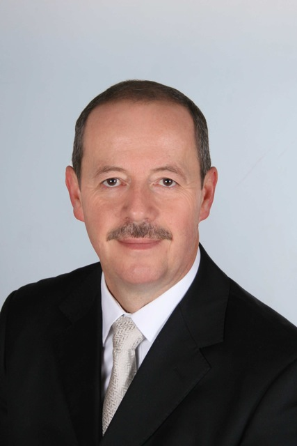 Dr. Peter Schmidt